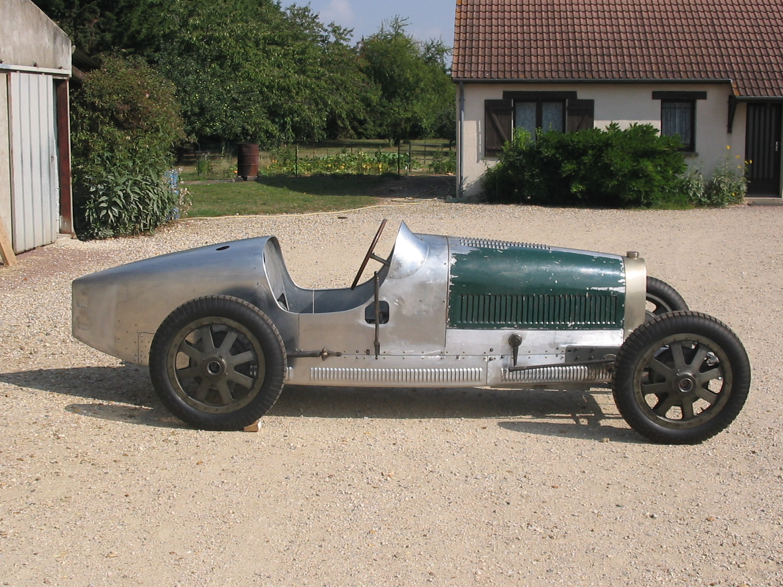 restauration d u0026 39 une bugatti caisse aluminium par as carrosserie